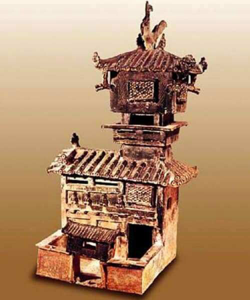 ماکت بنای سفالی ساخته شده در دوره ی فرمانروایی خاندان هان